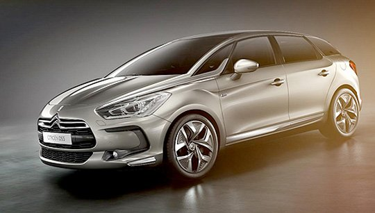 cgi of Citroën DS5 hatchback in moody slate grey