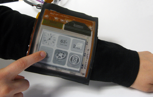 E-Ink screen wrapped around a wrist