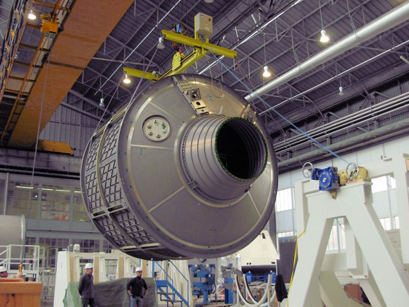 Pressurised module of the ATV Albert Einstein being manufactured in December 2010 in Turin by Thales Alenia. Pic: ESA