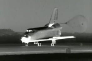 Infrared image of Endeavour landing this morning. Pic. NASA TV