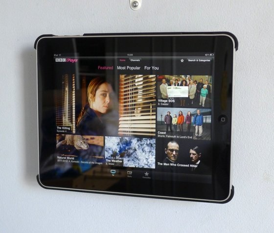 Vogel's RingO tablet wall-mount kit