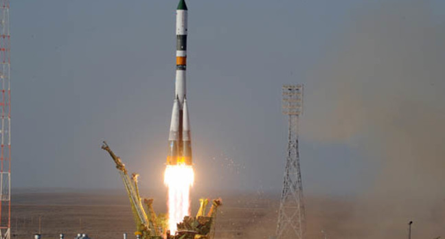 Progress 44 taking off, launched by a Soyuz rocket