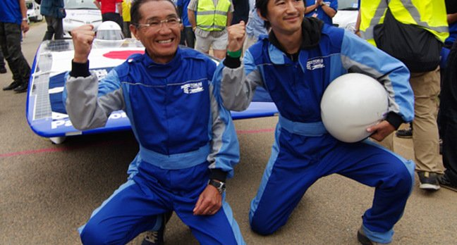 Drivers Kenjiro Shinozuka and Kouhei Sagawa celebrate Team Tokai's win