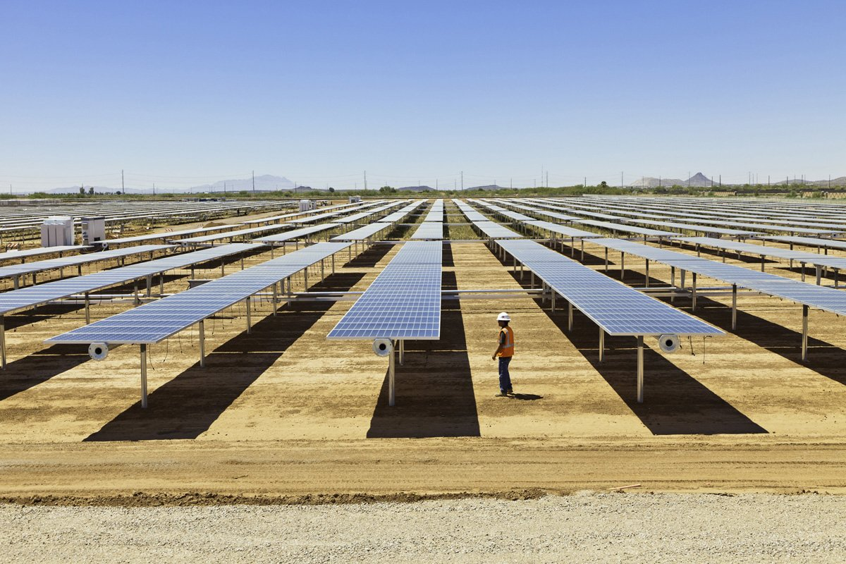 Spanish firm brings 20mw solar ranch online in arizona for Solar ranch