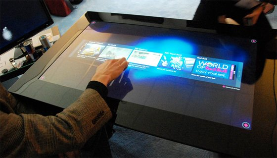Ms and samsung tout interactive table the register for Table tactile 40 52 point sur40