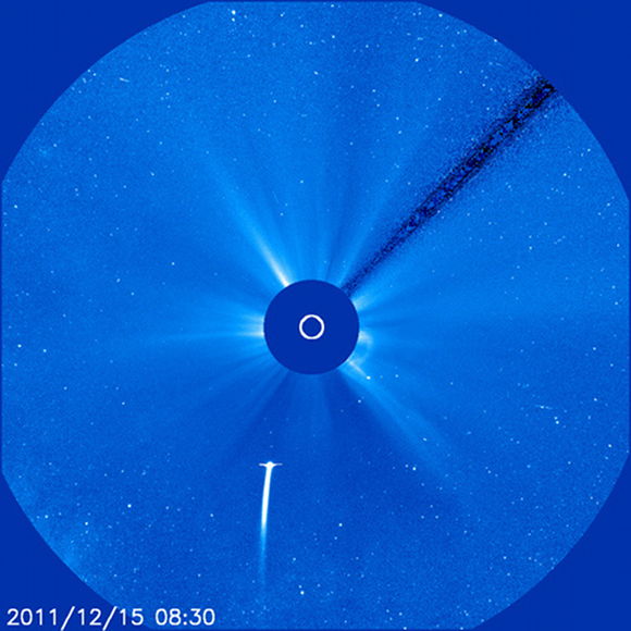 Comet Lovejoy plunging towards the Sun