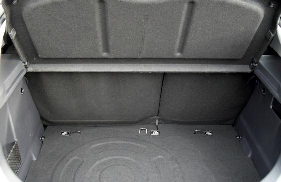 Kia Rio 1.1 CRDi EcoDynmics diesel car