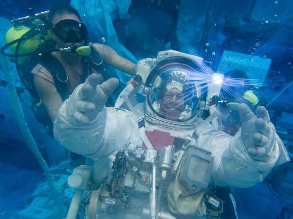 NASA astronaut Mike Fossum in spacewalk training