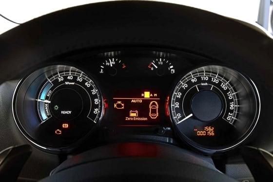 Peugeot 3008 HYbrid4 diesel electric hybrid