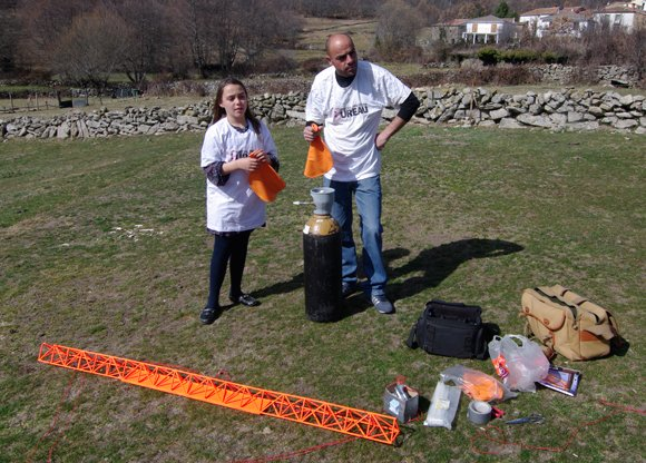 Katarina and Rui prepare to launch the flying truss