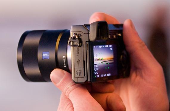 Sony NEX-7 24.3Mp APS-C compact system camera