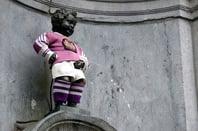 Manneken pis wears football kit. Source: James Cridland, Flickr