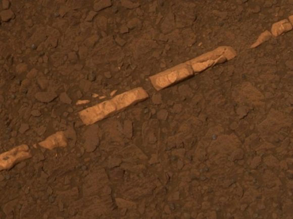 A vein of calcium, sulphur and gypsum. Credit: NASA/JPL-Caltech/Cornell/ASU