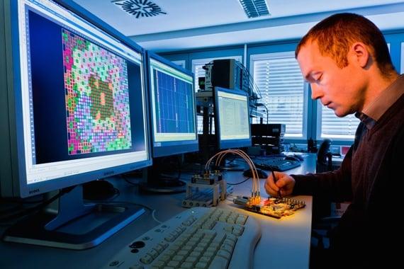 Fraunhofer boffin works on IR board