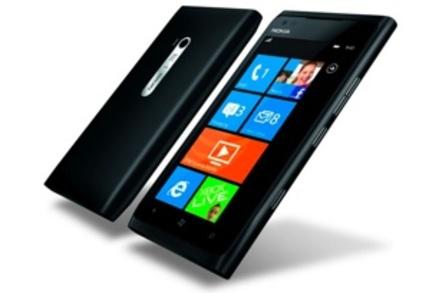 Nokia Lumia 900 WinPho 7 smartphone