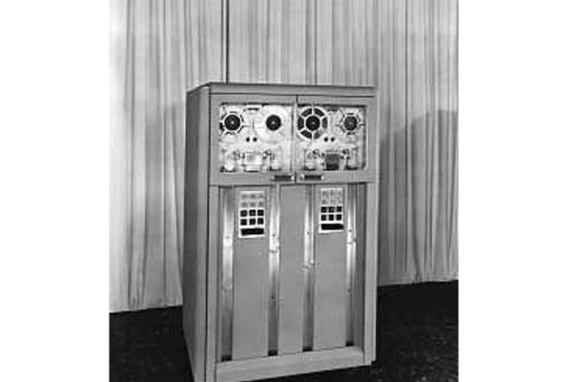 IBM's 726 Magnetic tape reader/recorder