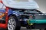 Volvo V40 pedestrian airbag