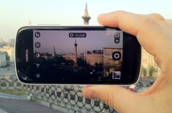 Nokia 808 Symbia 3 camera phone