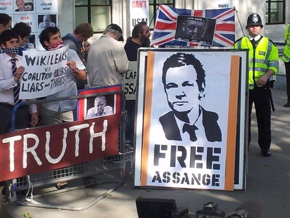 JULIAN_ASSANGE_SUPREME_COURT_LONDON