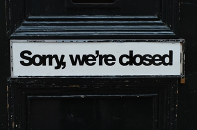 closed_sign shut down under collapsed liquidation