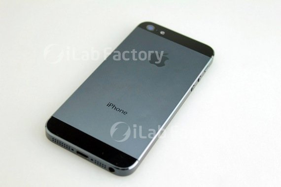A mock-up of the iPhone 5 showing the metal plated back, credit iLab
