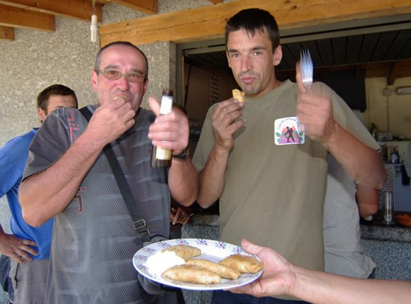 Two local chaps give pierogi the thumbs-up