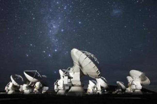 ALMA telescopes on the Chajnantor plateau in the Atacama desert. Credit: ALMA/ESO/NAOJ/NRAO