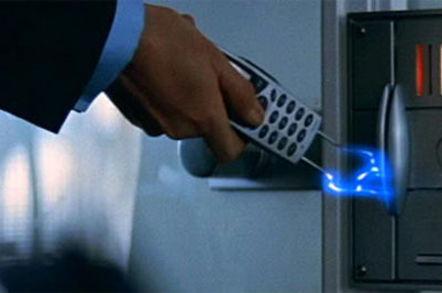 Ericsson phone in Tomorrow Never Dies