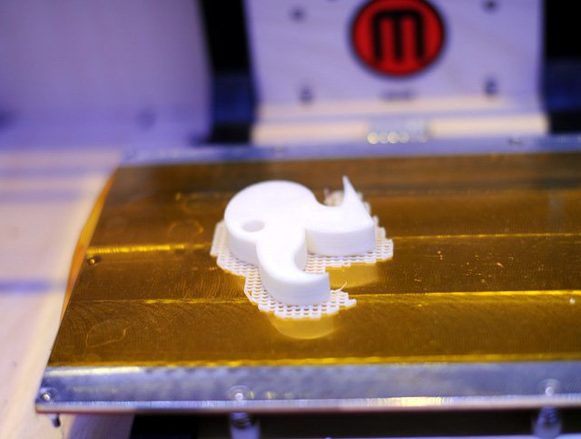 MakerBot The Replicator with model