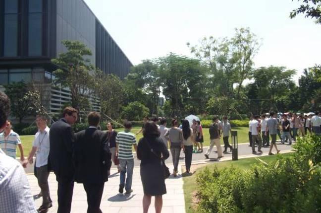 Huawei campus Shenzhen crowd