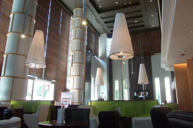 Huawei New World Coffee Shop