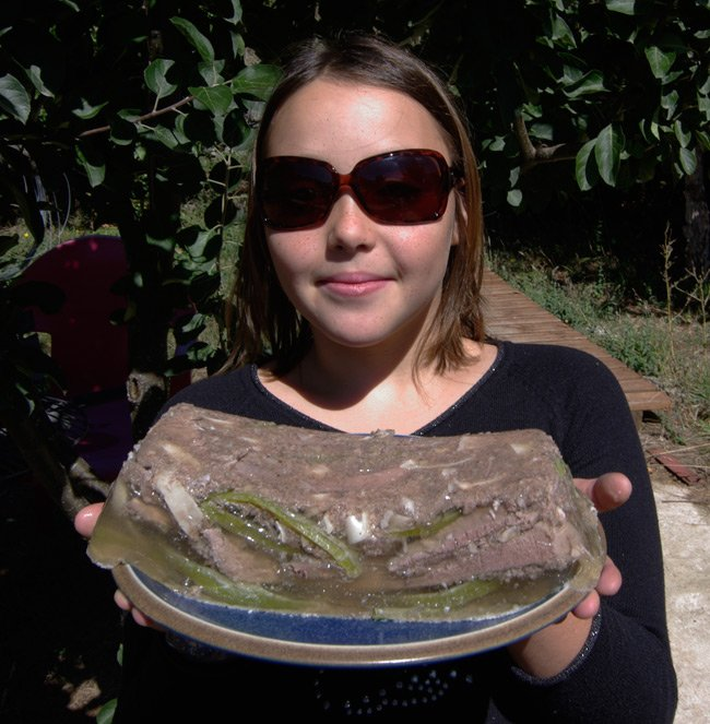 Katarina presents the demoulded souse