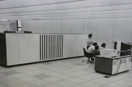 Amdahl 470V/6 mainframe computer on the 3rd floor of the Computing Center Building on the University of Michigan, credit Jeff Ogden, original photographer unknown