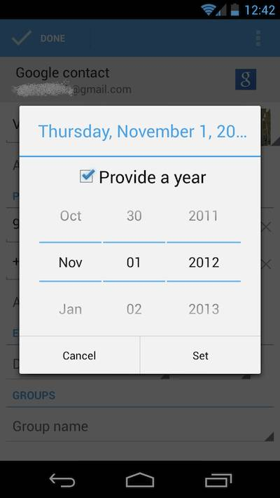 The People app in Android 4.2 omits the month of December