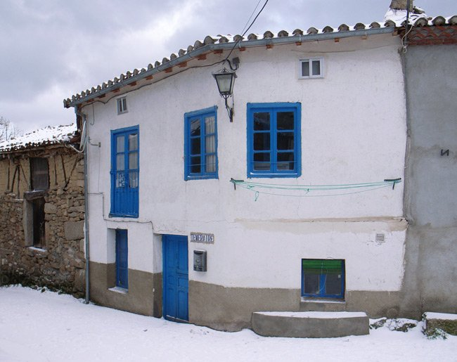 My house in Los Narros, during a snowy January 2007