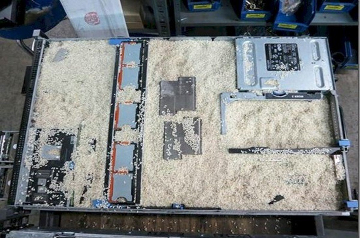 Dell PowerEdge boots up after Hurricane Sandy acid bath