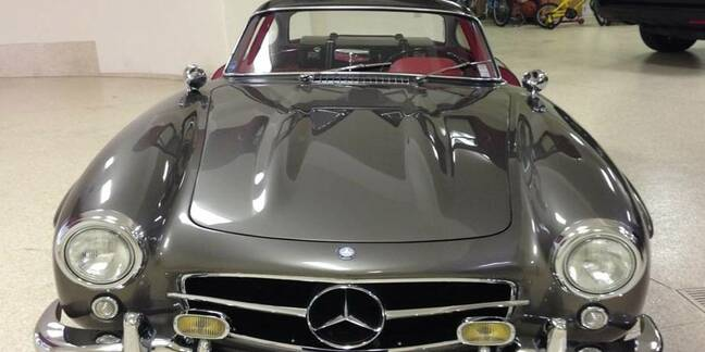 Mercedes Gull-wing car
