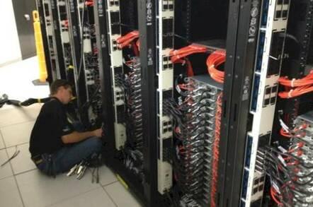 An Atipa tech builds a supercomputer cluster in Kansas