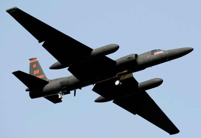 A U-2 'Dragon Lady' takes off from the Osan Air Base, South Korea, flightline Oct. 21, 2009, during the base Air Power Day air show. (U.S. Air Force photo/Staff Sgt. Brian Ferguson)