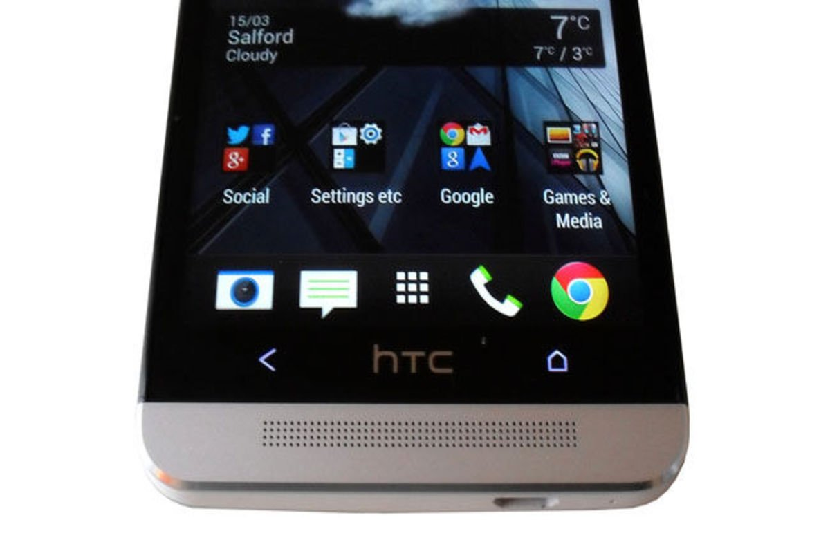 HTC offers FREEBIE repair on new models with cracked ...