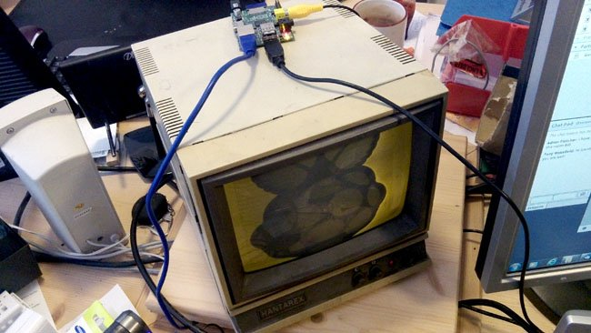 Hantarex monitor from around 1988 connected to a Raspberry Pi