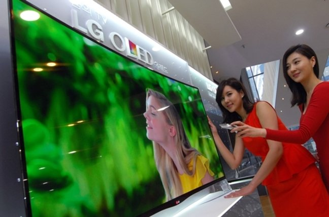 LG's 55-inch curved OLED TV screen