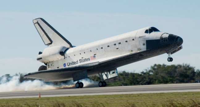 Space shuttle Atlantis lands at Kennedy Space Center in 2009, at the end of its STS-129 mission to the ISS. Pic: NASA