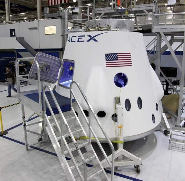 The Dragon Crew Engineering Model on the factory floor at SpaceX headquarters in Hawthorne, California. Photo: SpaceX