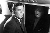 William Shatner in plane sees Gremlin outside window