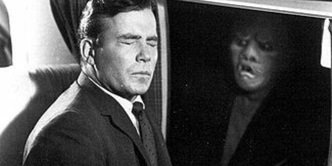 William Shatner in plane sees Gremlin outside window