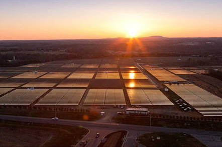 Apple's solar array in Maiden, North Carolina