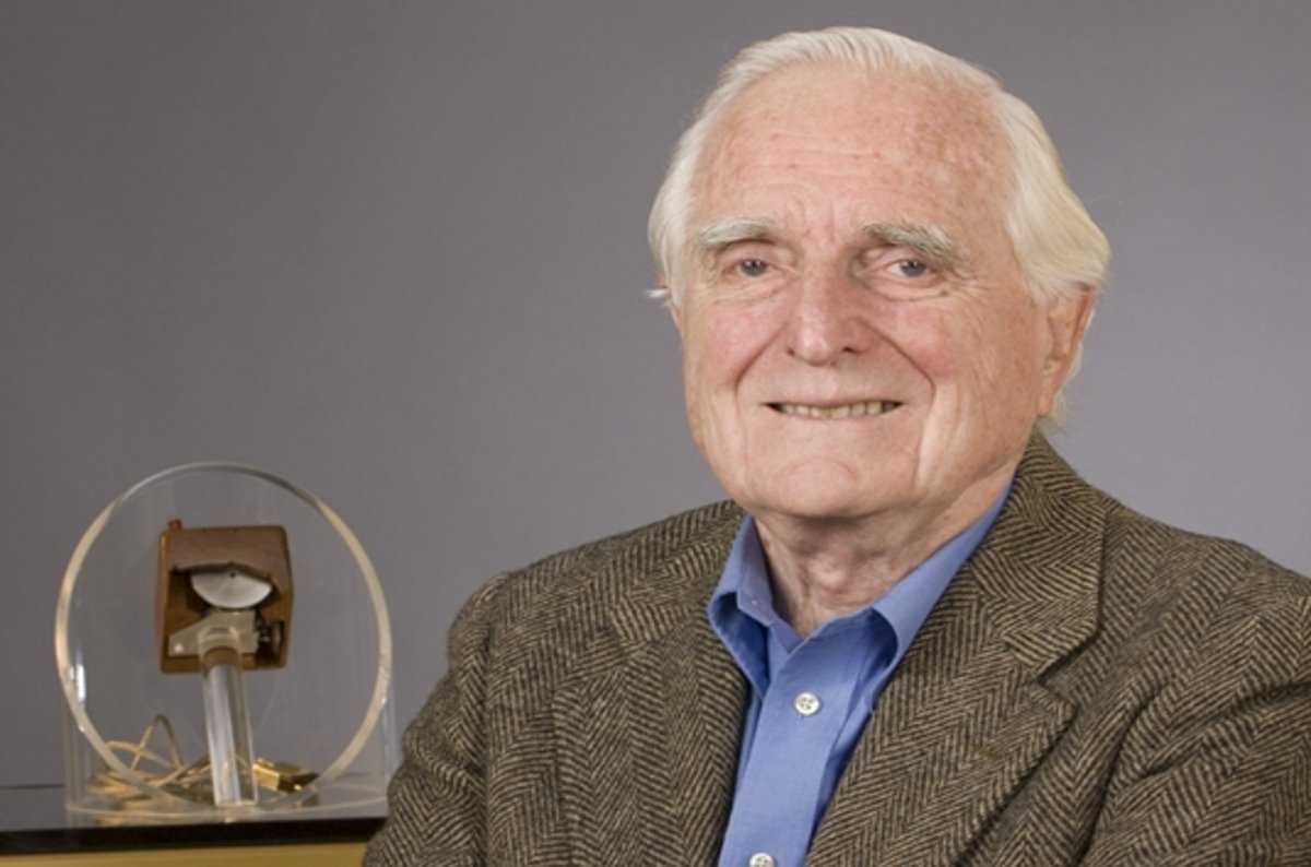douglas engelbart  pc pioneer and creator of the mouse