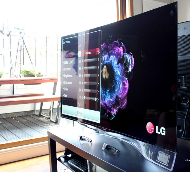 LG 55EA9800 OLED curved TV clear speaker