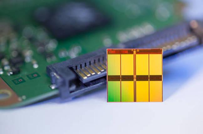 Micron 128-gigabit multi-level cell NAND Flash memory device